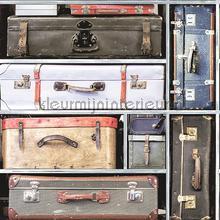 Gestapelde koffers tapet Dutch Wallcoverings Vintage Gamle