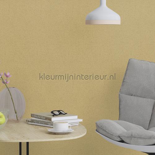 Geissini okergoud met goud glitter behang 493962 Interieurvoorbeelden behang Rasch