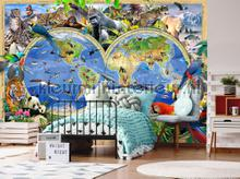 Childrens worldmap and animals fotobehang Kleurmijninterieur wereldkaarten