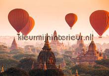 Balloons over bagan fotobehang Ideal Decor Ideal-Decor Vlies 00965