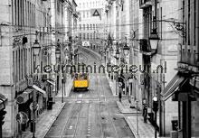 Streets of lisbon fotobehang Ideal Decor Ideal-Decor Vlies 00971
