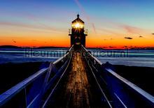 Lighthouse in the evening fotobehang Kleurmijninterieur Zon Zee Strand