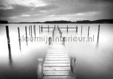 Walkway black and white fotobehang Kleurmijninterieur Zon Zee Strand