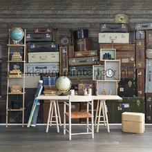 Stacked Suitcases Pile fotobehang Rebel Walls Kunst Ambiance