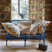 Spruce carnival gordijnen Prestigious Textiles retro