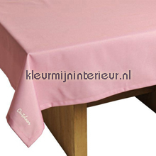 St. Tropez tafelkleed fuchsia table covering Blyco wood
